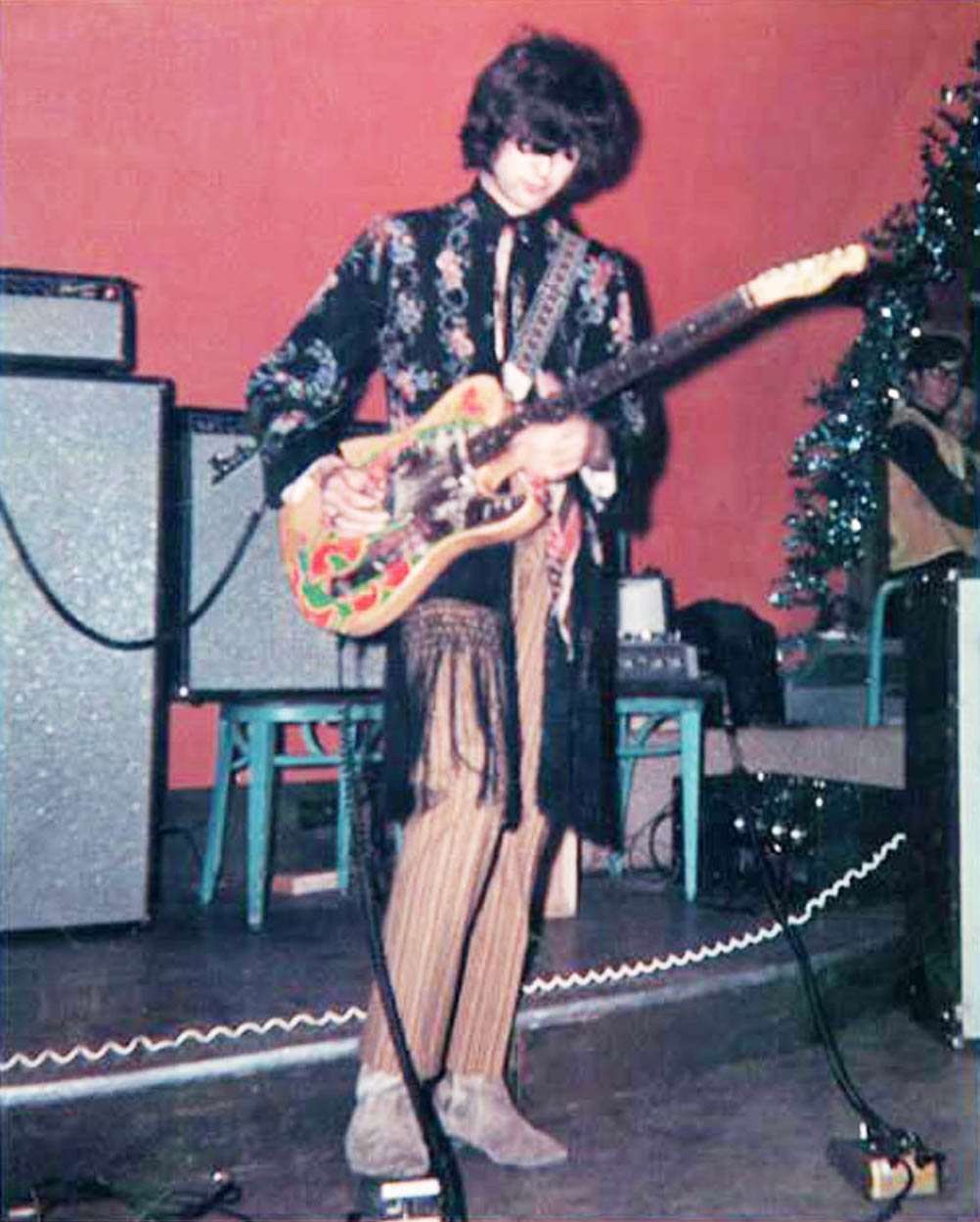 The Tone Bender Timeline History Custom New Gibson Les Paul Jimmy Page Wiring Harness 1967 November Is Seen Using His Gold During Yardbirds Performance At Pne Gardens Auditorium In Vancouver British Columbia